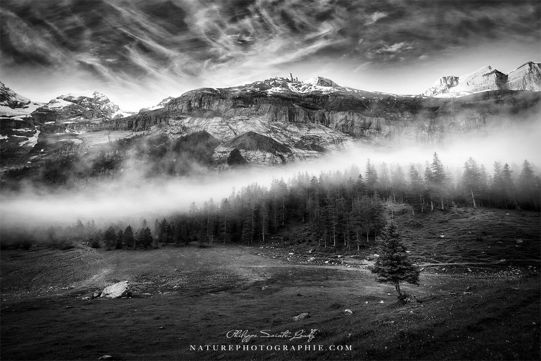 Photo prise près du lac oeschinensee dans les Alpes Suisses