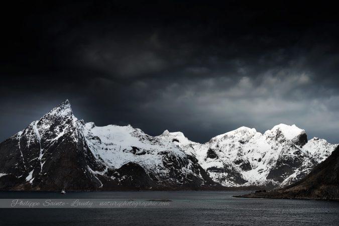 Paysage sombre des Lofoten