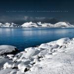 Fjord sous la neige en Norvège