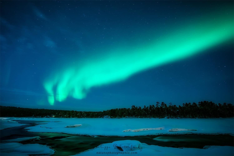 Aurore boréale dans le ciel de Finlande