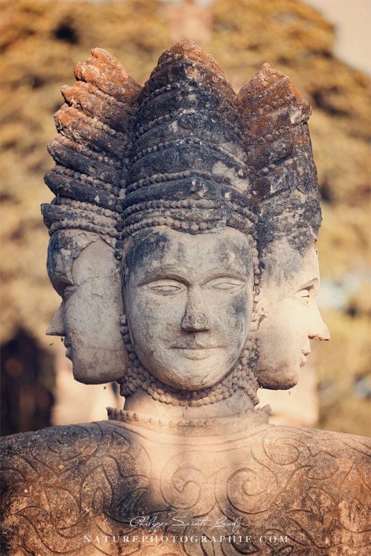 Statue dans le Bouddha Parc
