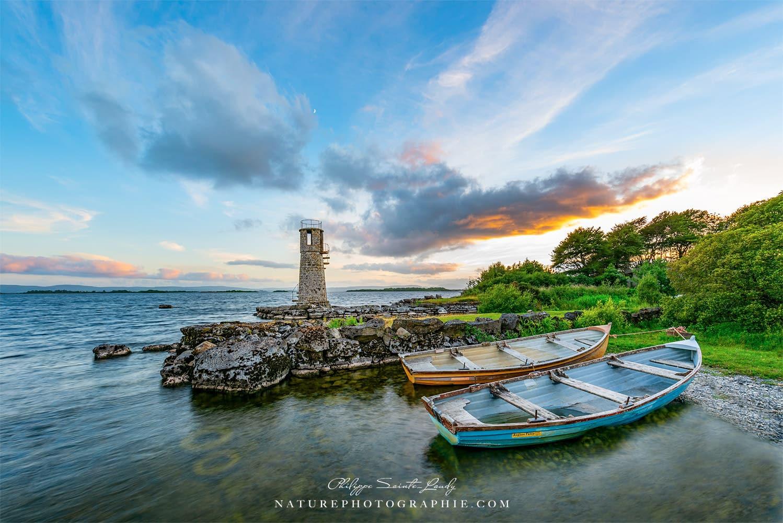 Le soleil se couche sur le phare de Balyycurrin