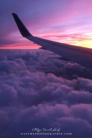 Coucher de soleil au-dessus des nuages