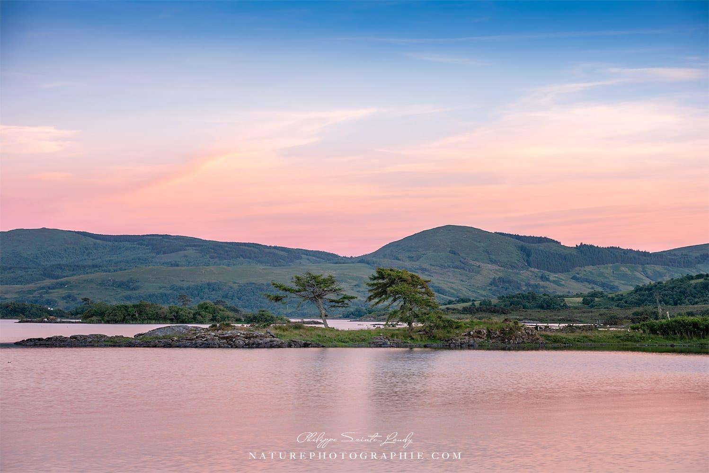 Fin de journée sur un lac du Connemara