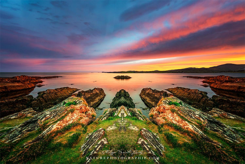 Miroir horizontal partiel sur une photo de coucher de soleil en Irlande - Altar Wedge Tomb