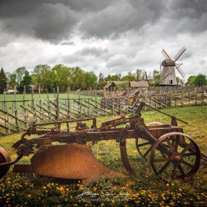 Ferme et moulins à Angla en Estonie