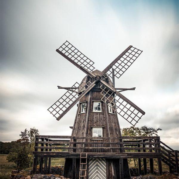 Pose longue en pleine journée sur un moulin
