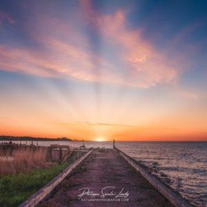 Coucher de soleil sur la mer baltique en Estonie