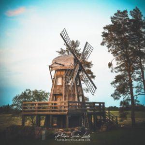 Paintographie sur un moulin à vent