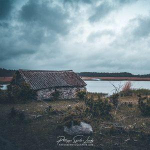 Maison de pêcheur abandonnée en Estonie