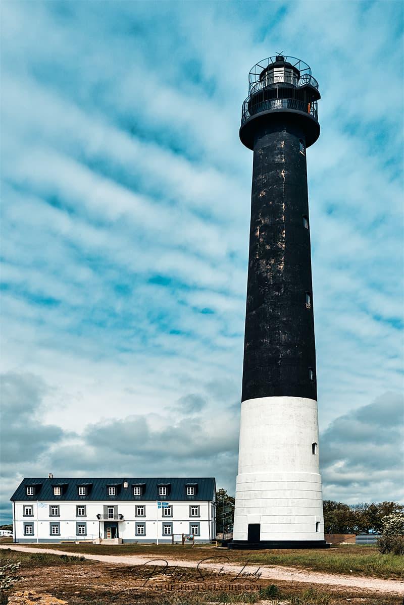 Le phare de Sõrve situé sur la commune rurale de Torgu, dans le comté de Saare, en Estonie.