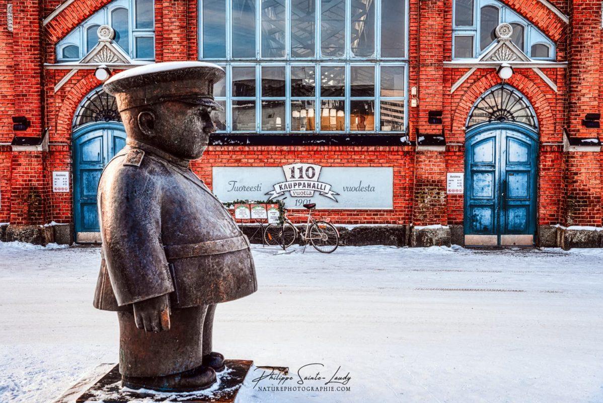 Le marché couvert de Kauppahalli à Oulu en Finlande