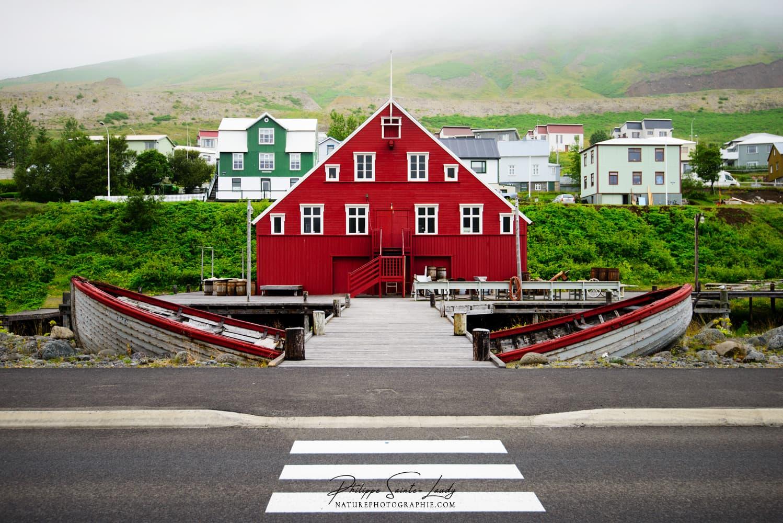 Le passage piéton de Siglufjordur en Islande
