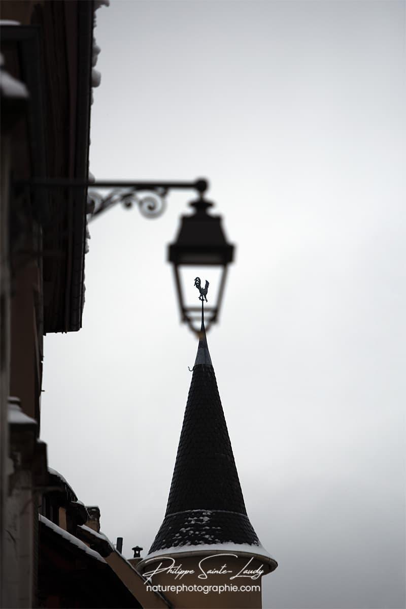 Lanterne et toit pointu
