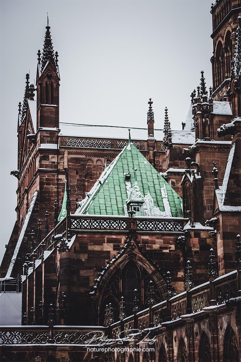 Gros plan sur la cathédrale de Strasbourg