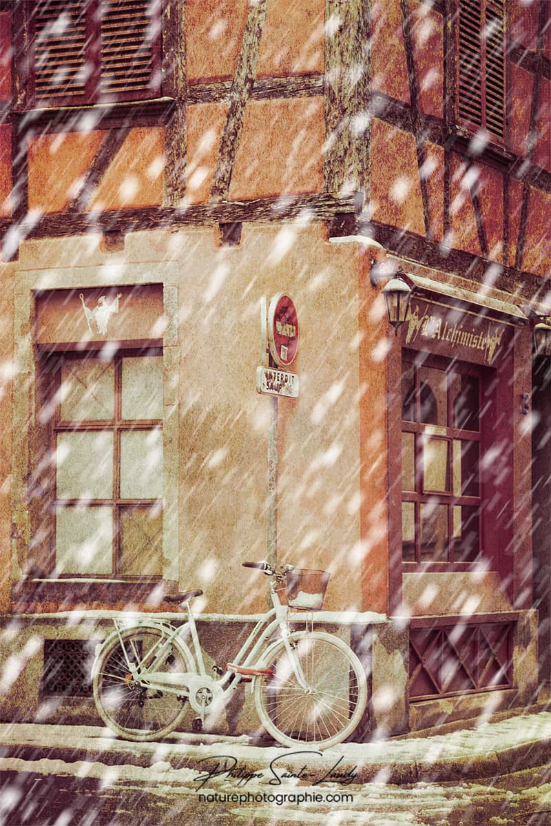 Vélo sous la neige à Strasbourg